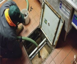 Grease trap sumpit